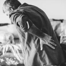 Il mal di schiena inizia sempre nello stesso modo
